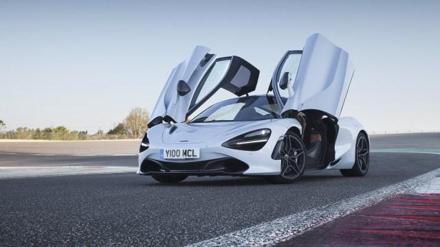McLaren-720S-Glacier-White-1280x720.jpg