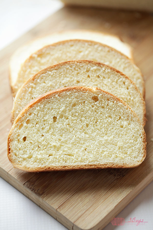 The Best White Bread || Easy to follow recipe. Hands down the best white bread I have ever baked! Perfect for grilled cheese sandwiches, french toast, and everything in between.  Nothing on the grocery store shelves can compare! || www.3boysunprocessed.com