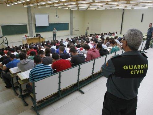 aspirantes-a-guardia-civil-2016-3catorce-academia-santander-cantabria