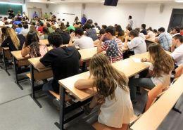 CCOO-pide-convocar-oposiciones-con-2.000-plazas-docentes-para-2018-y-2019-3catorce-academia-santander-cantabria Borrador convocatoria secundaria Cantabria 2020