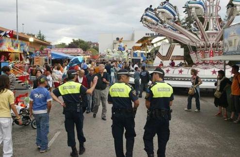 Sindicatos reclaman nuevas plazas Policia Local Torrelavega Cantabria 3catorce academia santander oposiciones policia