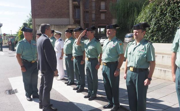 200 plazas guardia civil cantabria est n vacantes prepara las oposiciones de guardia civil con - Ministerio del interior oposiciones ...