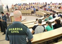 La-Guardia-Civil-pide-mas-gente-para-sus-oposiciones-estos-son-los-cargos-y-unidades-a-los-que-puedes-acceder Información Convocatoria Guardia Civil