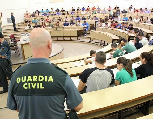 La Guardia Civil pide mas gente para sus oposiciones: estos son los cargos y unidades a los que puedes acceder