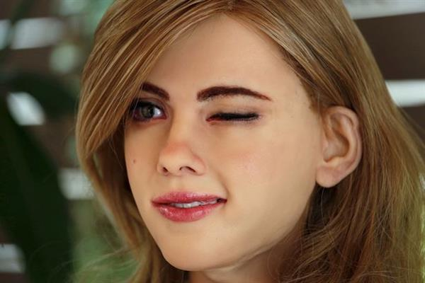 scarlett-johansson-gets-3d-printed-extremely-realistic-humanoid-robot6