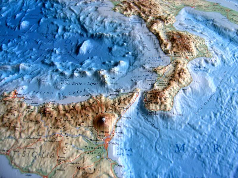 Relief Map of Italy as 3d map Relief Map of Italy