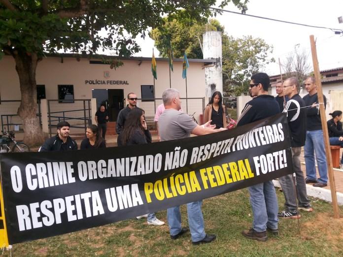 Policiais Federais pararam atividades e aderiram ao movimento nesta segunda-feira, dia 26 na fronteira do Acre – Foto: Alexandre Lima