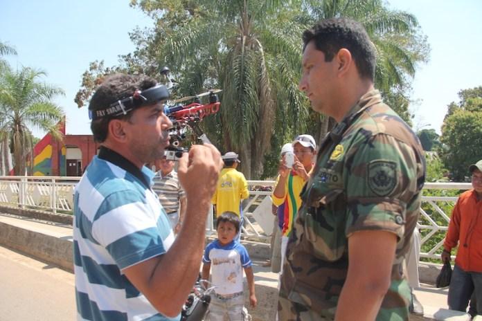Militar abordou e tentou levar o equipamento para o Quartel Naval no lado boliviano – Foto: Alexandre Lima