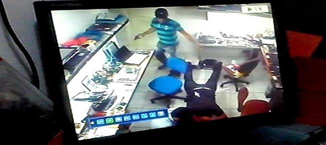delegado da Polícia Civil Karlesso Nespoli, os homens teriam sido presos após cometerem outro assalto no bairro Estação.