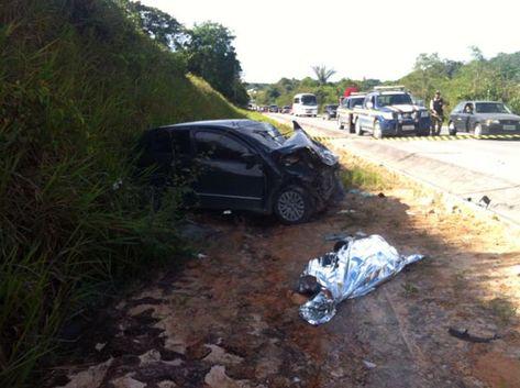 O condutor do gol morreu no local e as outras sete pessoas foram socorridas pelo SAMU (Winnetou Almeida)