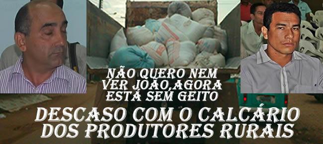 tentando passar despercebido, Prefeitura de Brasiléia, transportou o calcário que tinha sido doado para Epitaciolândia, em sacos de 60 quilos/ Imagem Alemão Monteiro