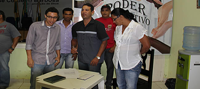 Os jornalistas Wiliandro Derze e Chiquinho Chaves foram escolhidos. Ficando o Chiquinho Chaves como titular e Wiliandro como suplente.
