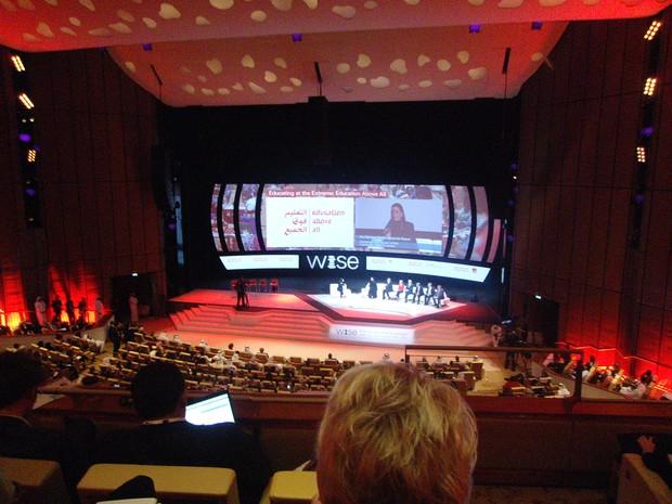 Sessão plenária que contou com a participação da rainha do Catar, Sheikha Mozah Nasser, o ex-primeiro ministro britânico Gordon Brown, a diretora-geral da Unesco Irina Bokova e o diretor-executivo da Unicef, Anthony Lake. (Foto: André Lucas/ Arquivo pessoal)