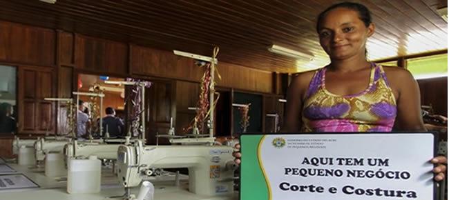 Mulheres foram capacitadas em curso de corte e costura com recursos do Pronatec (Foto: Gleilson Miranda/Secom)
