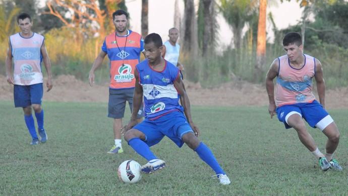 Gessé deve ser opção no banco de reservas na primeira partida da semifinal (Foto: Manoel Façanha/Arquivo Pessoal