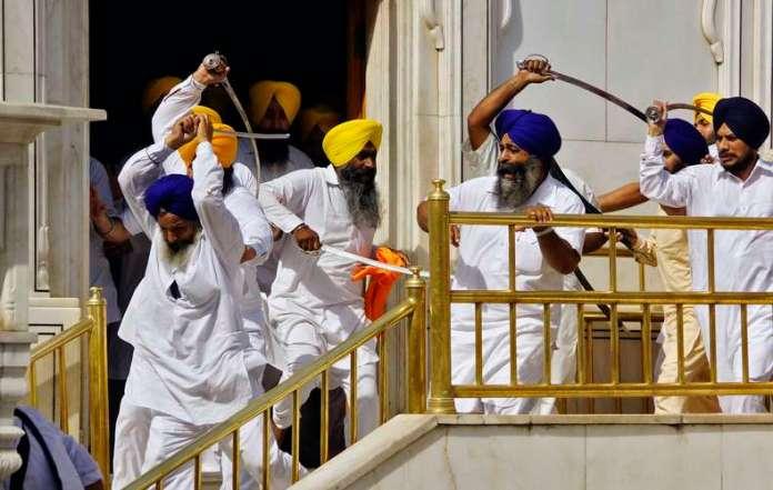 Desentendimento entre grupos rivais teria acontecido durante discussões sobre quem deveria falar primeiro durante as celebrações de 30 anos de uma ofensiva militar contra os religiosos ocorrida em 1984 Foto: Reuters