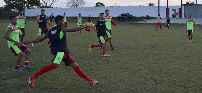 Rio Branco precisa de um ponto em dois jogos para garantir vaga na segunda fase da Série D (Foto: Duaine Rodrigues)
