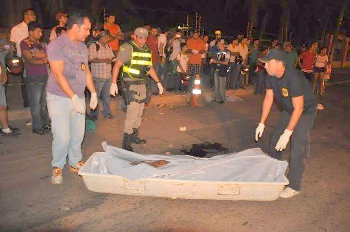 O idoso foi atropelado por uma caminhonete quando atravessava a via Chico Mendes/Fotos: Selmo Melo