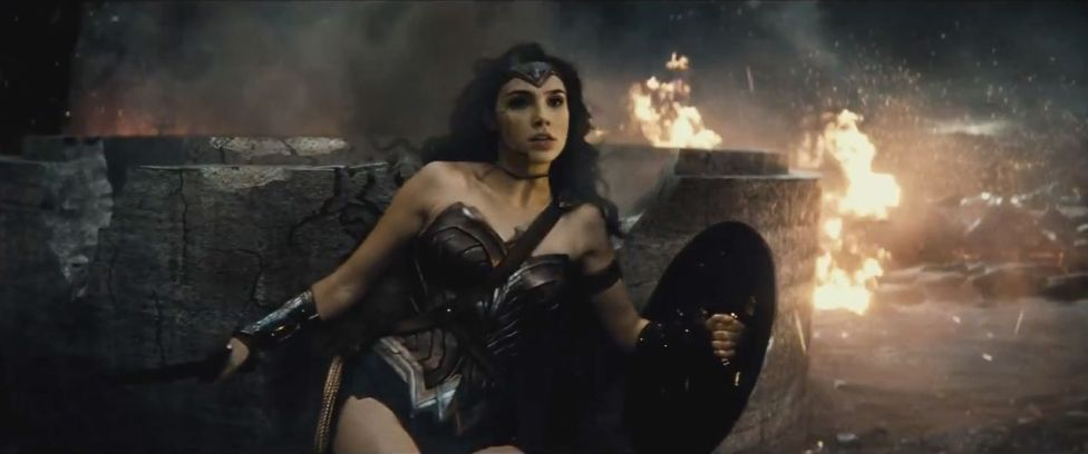 Batman-V-Superman-Dawn-of-Justice-3D-trailer-2-foto-6-wonderwoman