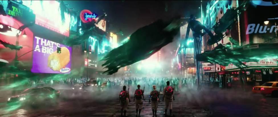 Pop Out #4: Die Luft des Times Square ist voller Geister. Eins der Monster wird doch sicher aus der Leinwand springen