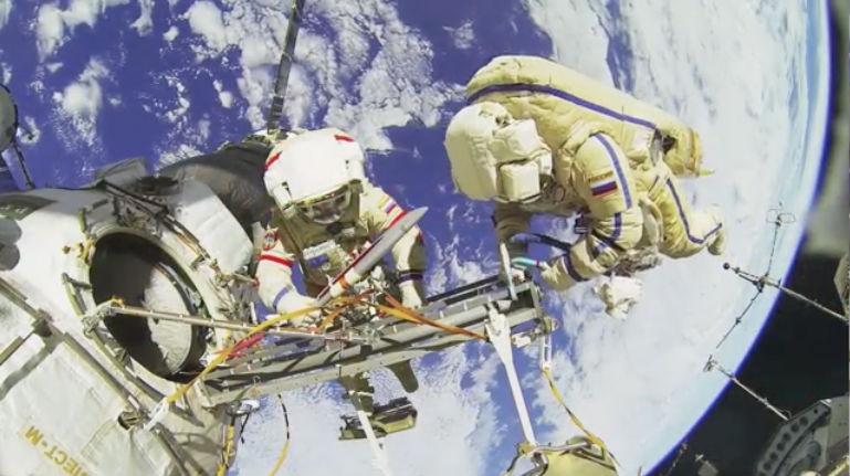 Internationale-Raumstation-ISS-in-3D-fuer-3d-fernseher-und-3d-beamer