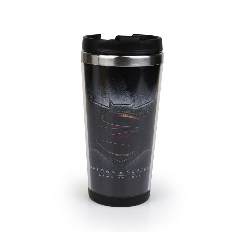 batman-v-superman-coffee-to-go-becher-logo