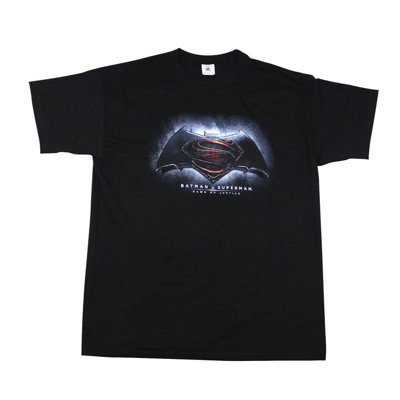 batman-v-superman-t-shirt-logo~2