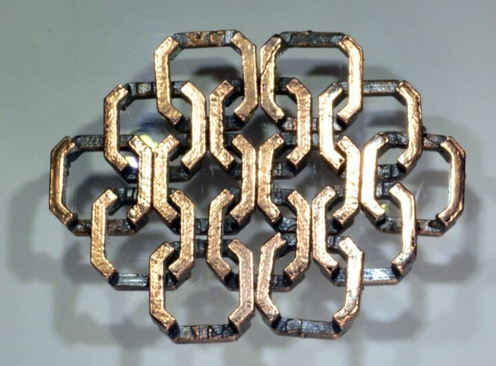 Metal chain matrix 3D printed with metal filament [Source: The Virtual Foundry]