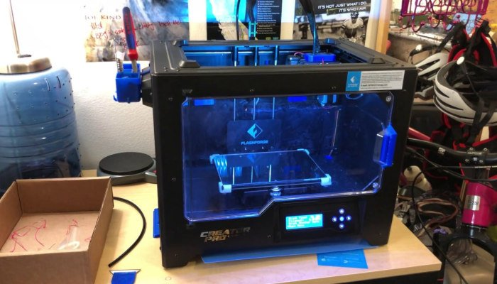 the flashforge creator pro comes assembled so can be used by beginner 3D printers without any expertise