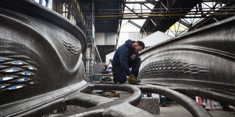 Steel 3D printing in transport