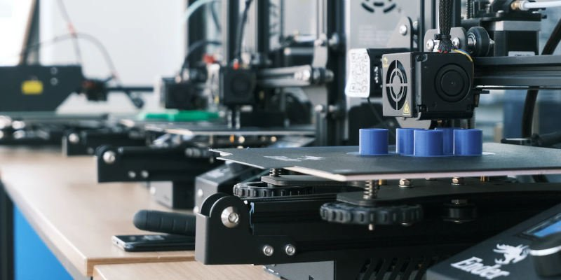 running a 3d printing business with multiple printers
