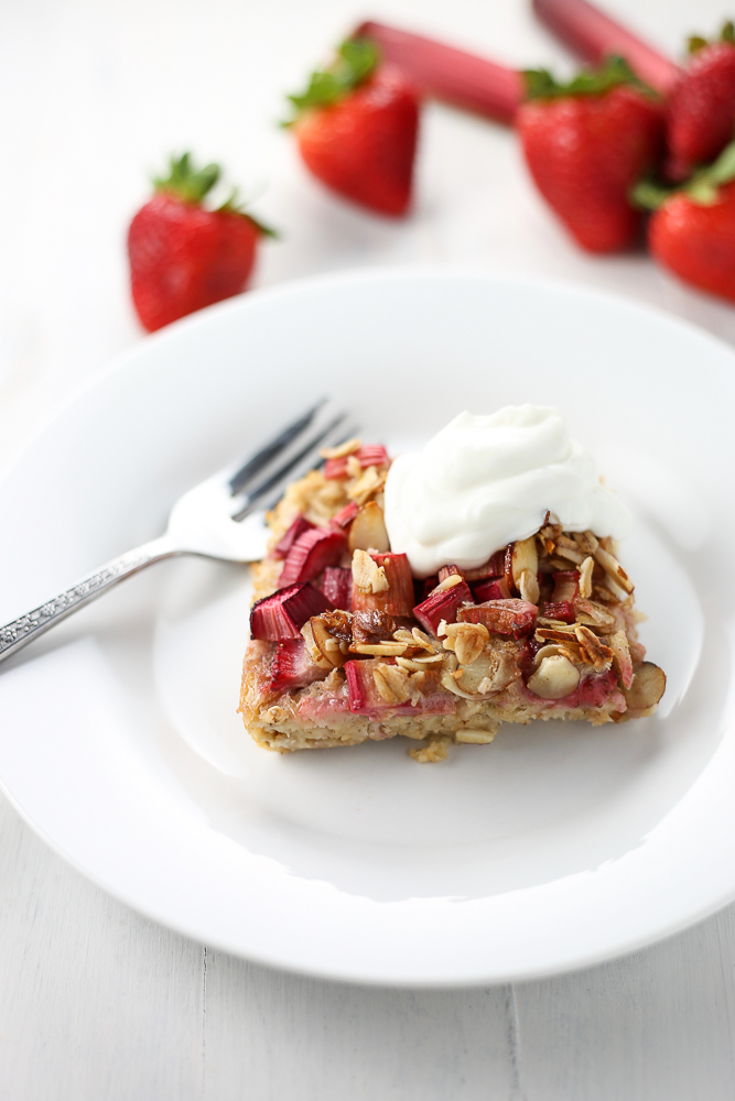 summer brunch strawberry rhubarb baked oatmeal
