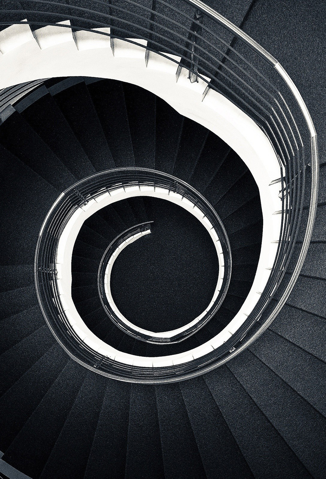 Black and white Spiral 3Wallappers iPhone Parallax Black and White Spiral