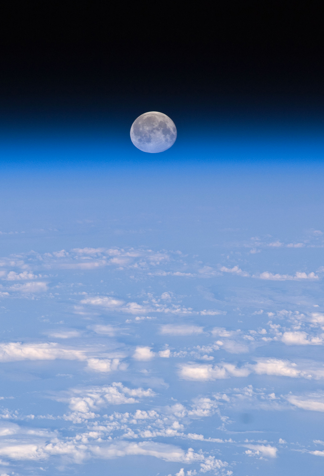 Full Moon Over Earth 3Wallpapers iPhone Parallax Full Moon Over Earth