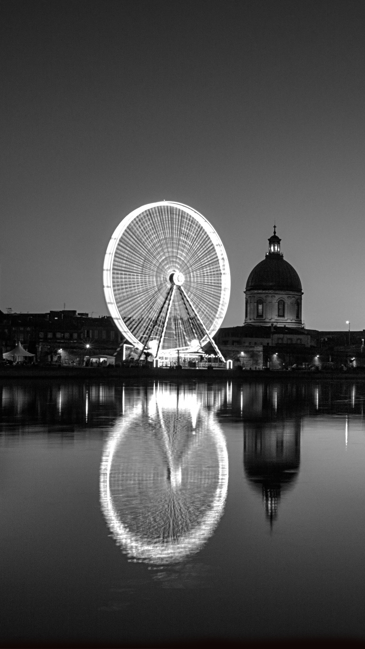Black and White Toulouse iPhone 3Wallpapers Parallax Black and White Toulouse