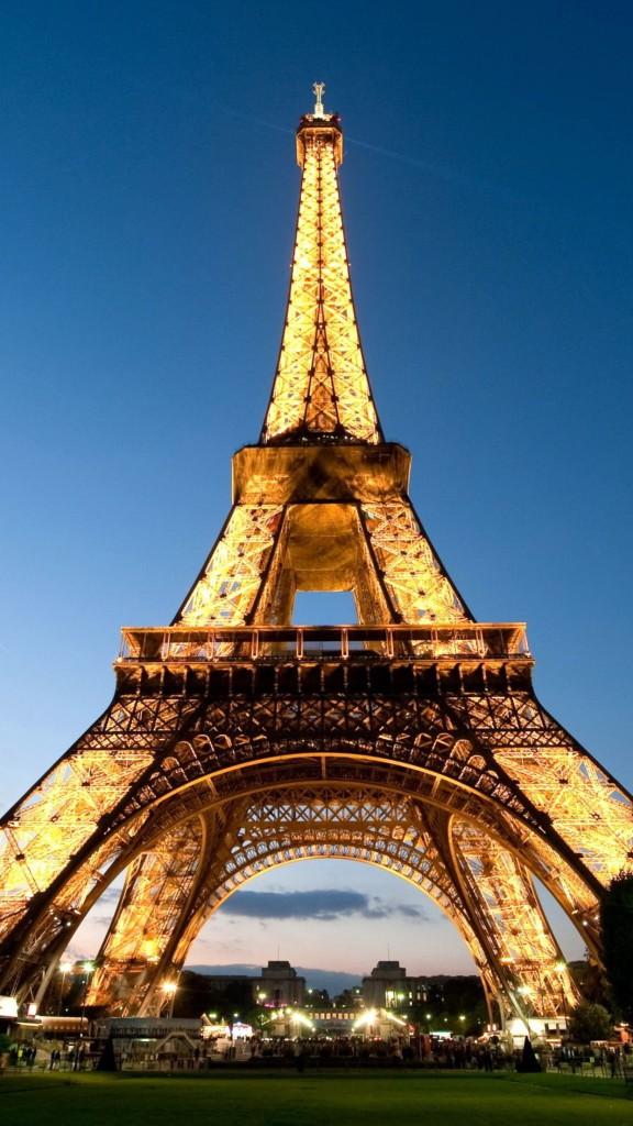 Eiffel tower full of lights Symbol of Paris 3Wallpapers iPhone Parallax 576x1024 Eiffel Tower full of lights Symbol of Paris 3Wallpapers iPhone Parallax