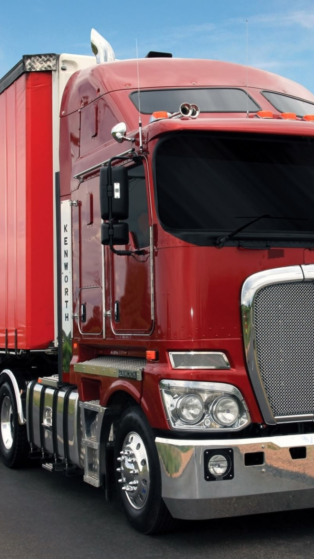 truck red 3Wallpapers iPhone Parallax Truck Red