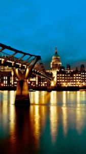 Angleterre Pont Millennium 3Wallpapers iPhone Parallax 169x300 The Millinnium Bridge