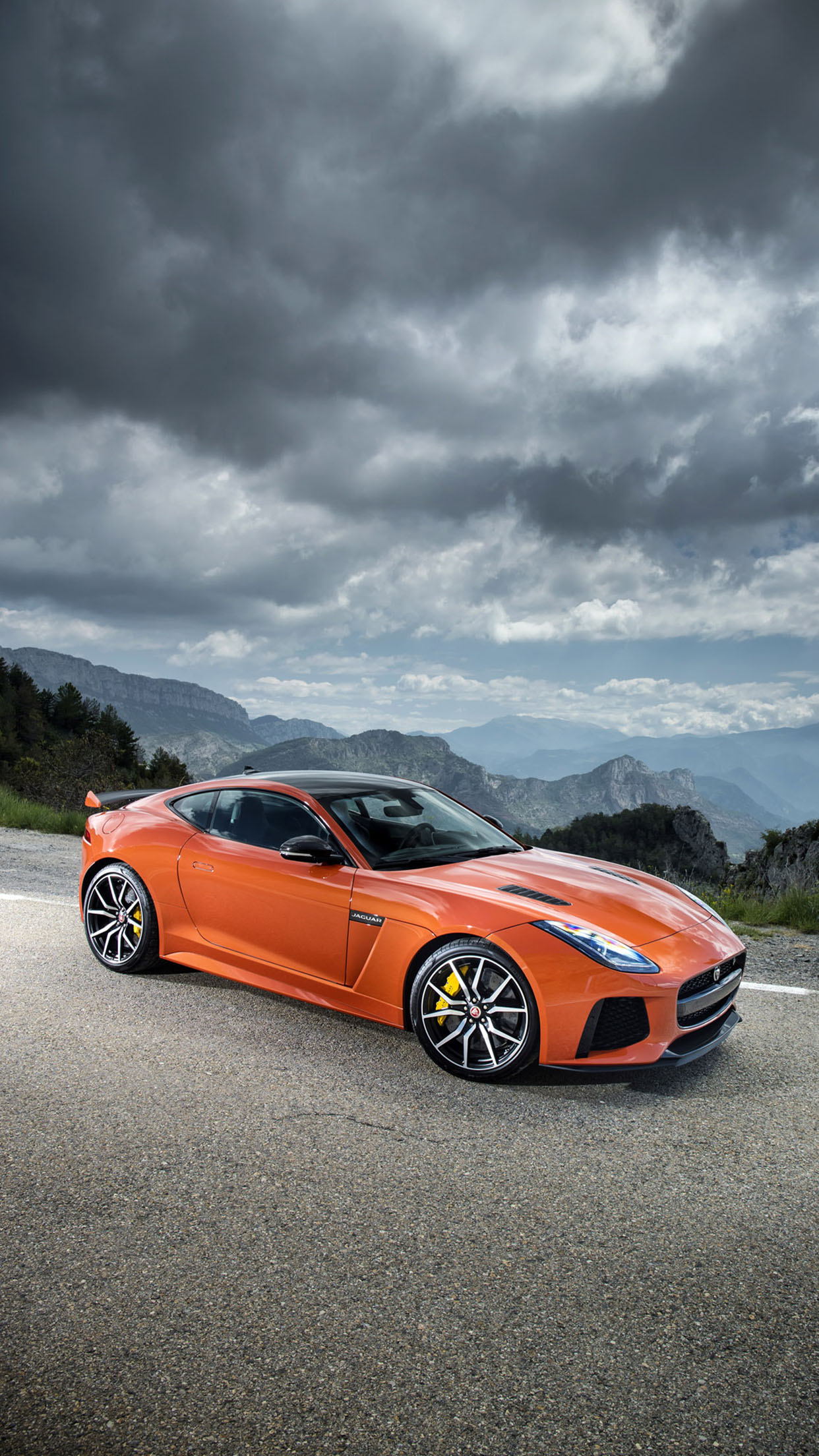 Jaguard F Type SVR Side 3Wallpapers iPhone Parallax Jaguard F Type SVR side