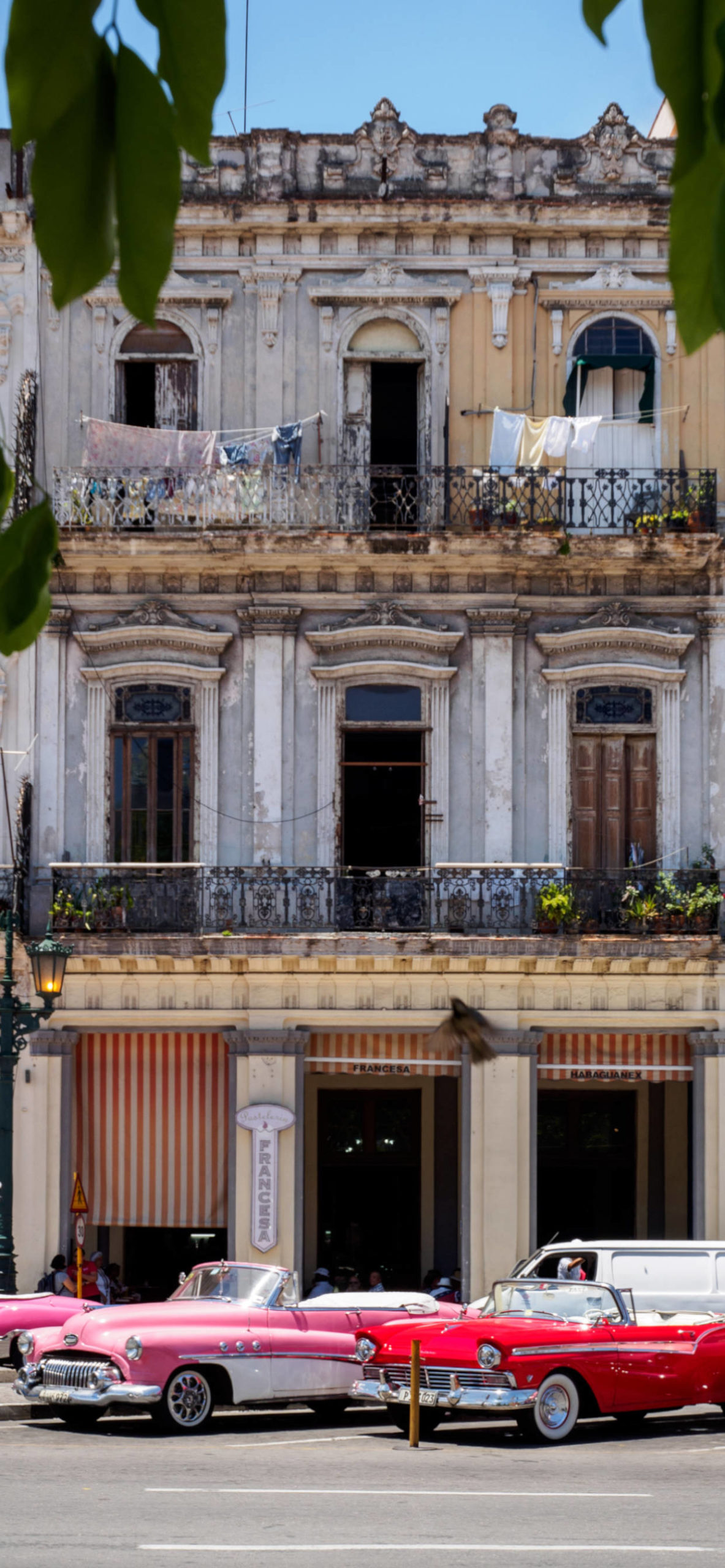 iPhone wallpapers cuba cars house scaled Cuba