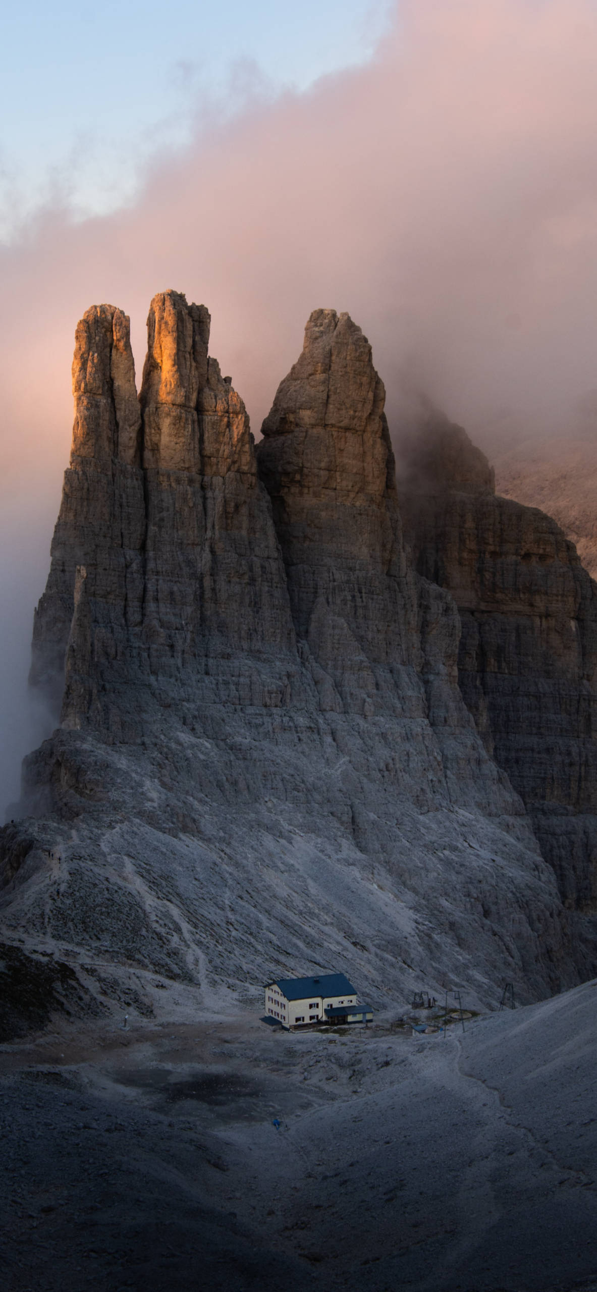 iPhone wallpapers mountain house fog Mountains
