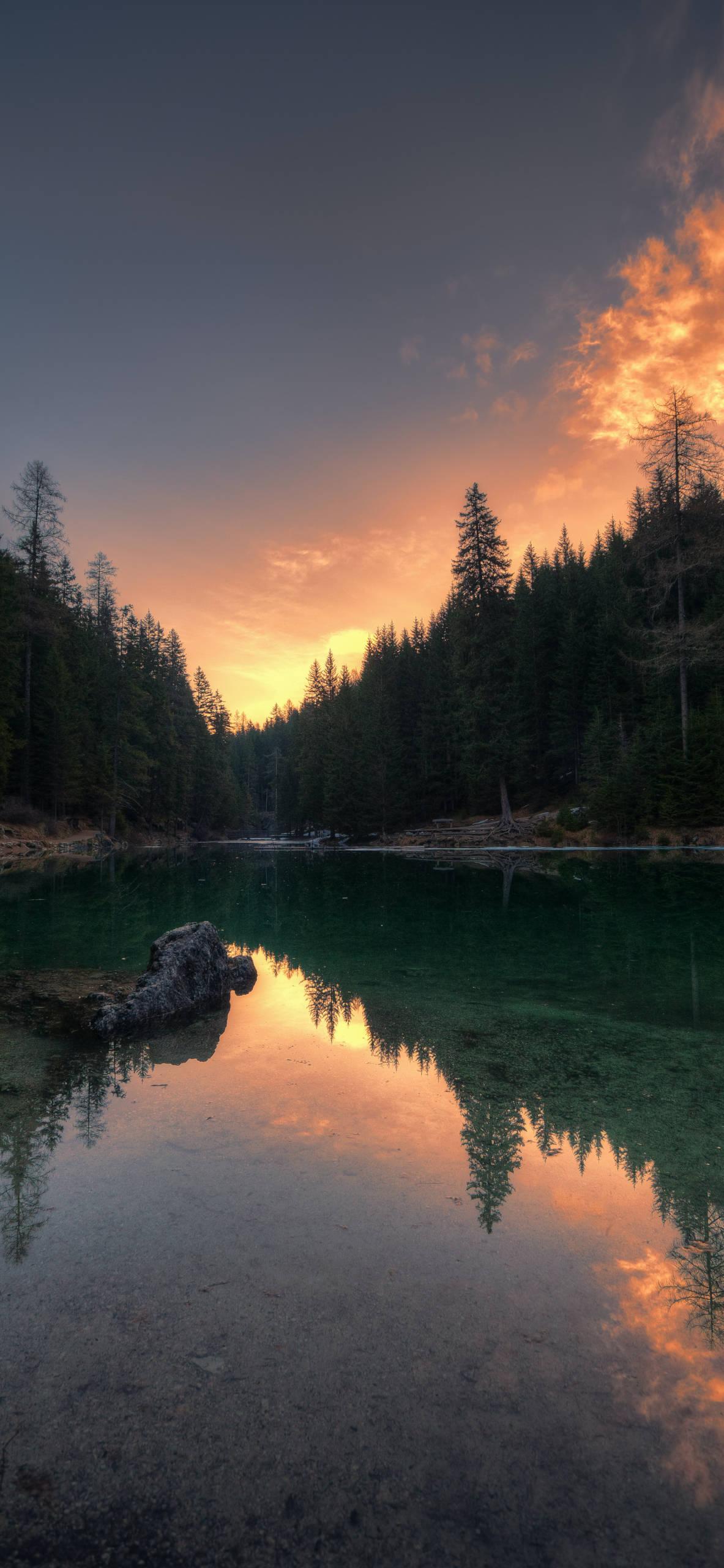 iPhone wallpapers lake pragser wildsee Lake
