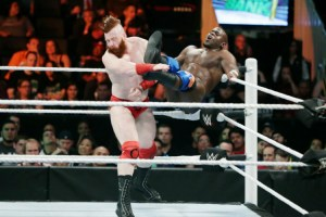MITB 2016 Apollo Crews vs Sheamus
