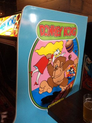 Wrestlemania 32 Weekend - 16-Bit Bar - Donkey Kong