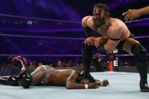 Royal Rumble 2017 Neville vs Rich Swann