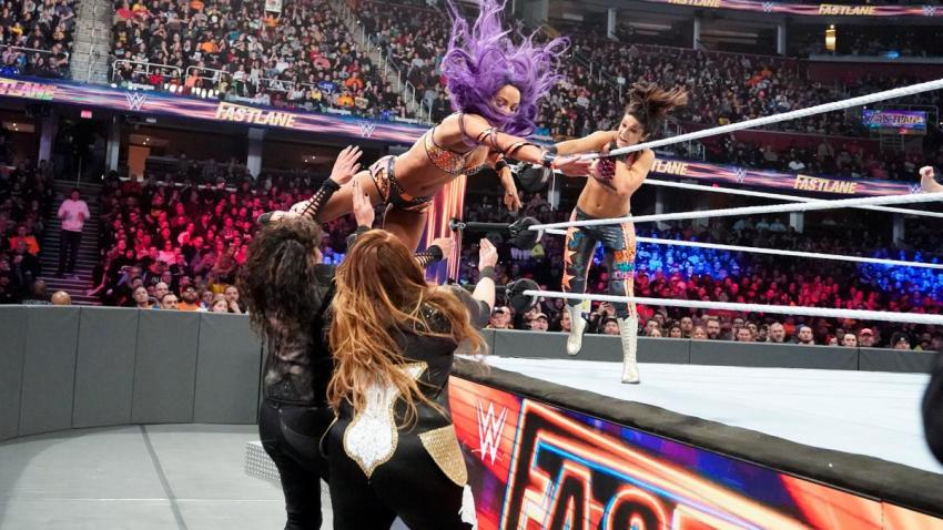 Fastlane 2019 - Bayley and Sasha Banks vs Nia Jax and Tamina