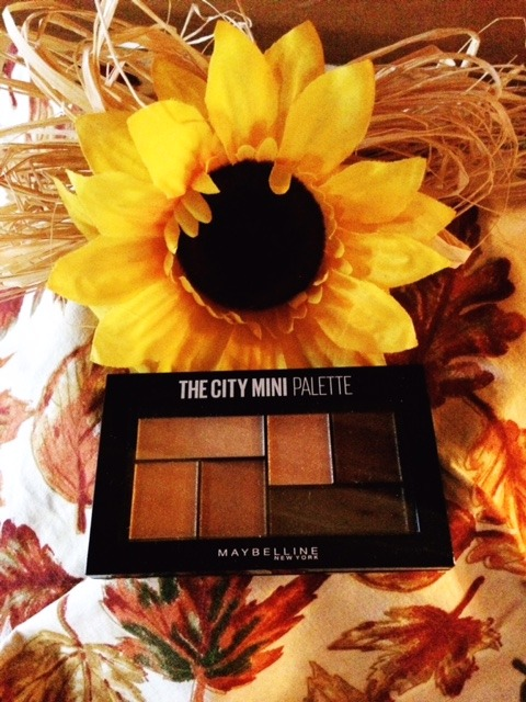 Maybelline City Mini Eyeshadow Palette Review