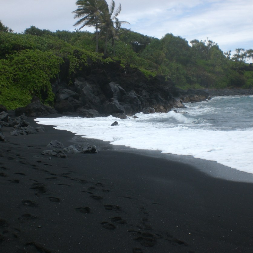 Black sand beach at Wainapanapa State Park
