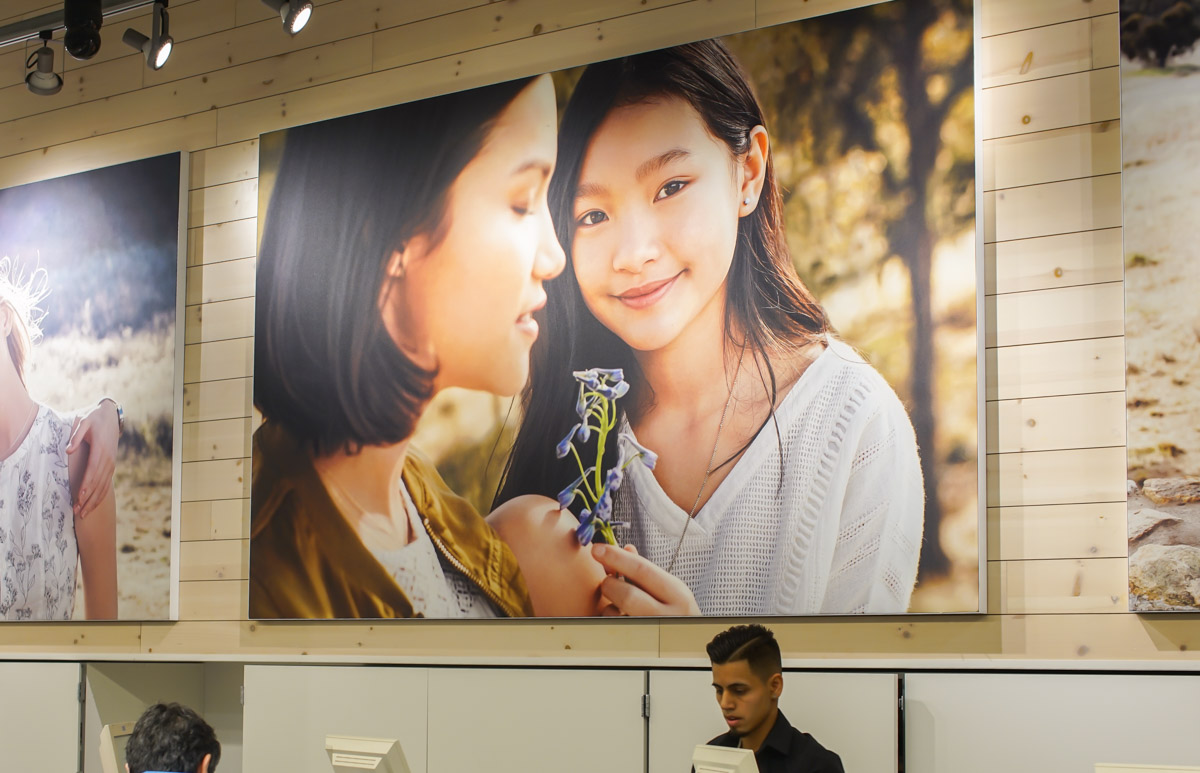 SEG fabric printing signage displays visuals Old Navy retail graphics printing framing silicone edge graphics