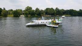 Floating Plane4